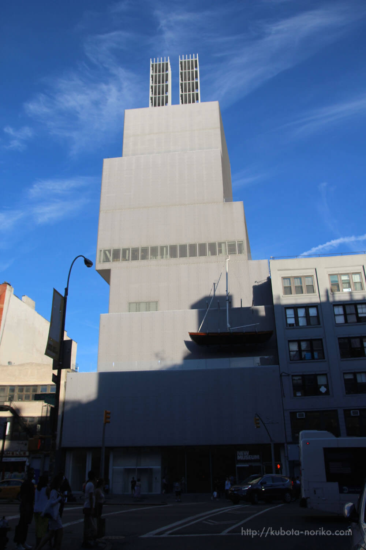 New Museum モダンな建物の現代美術専門美術館 – NYの旅[2016]
