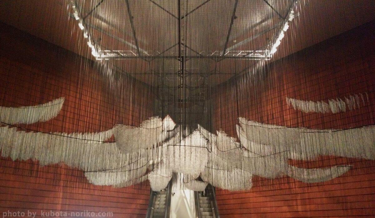 森美術館[塩田千春展:魂がふるえる] どこへ向かって